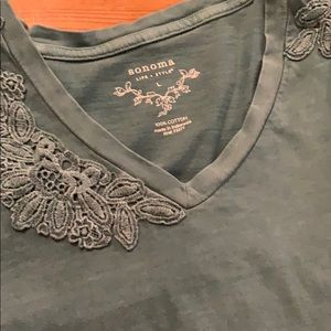 🌸 $3 SALE SONOMA Large T-Shirt with Lace